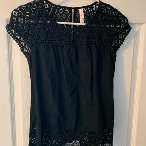 Lace black top!